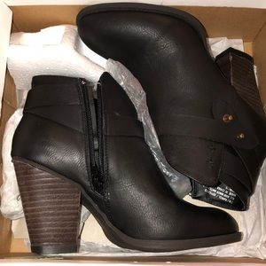 """Black booties 2"""" heel"""
